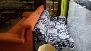 Divano letto fiorato 160 cm € 120 - Divano letto elettrosaldato arancione 190 cm. - 189 €