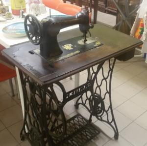 Vecchia macchina per cucire Singer - 79 €