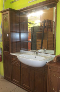 Mobile bagno con lavello e miscelatore cm.143 - € 219