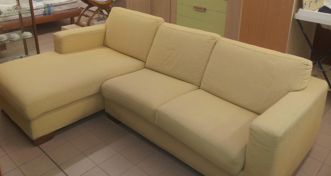Divano letto con penisola venduto il supermercatino dell 39 usato - Divano letto 160 cm ...