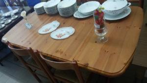 Tavolo allungabile 160x90 cm in pino - 129 €