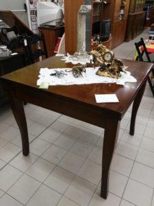 Tavolo in legno a libro 90x90 - € 109