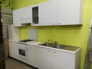 Cucina lineare modificabile a misura - € 359