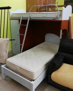 Letto a soppalco con secondo letto - € 179 (materassi esclusi)