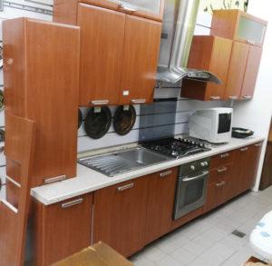 Cucina MODIFICABILE compresa di tutti gli elettrodomestici - € 629