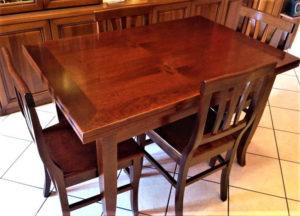 Tavolo Arte Povera allungabile su due lati 79x120 cm (+39 per lato) con 4 sedie - € 259