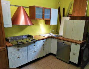 Cucina angolare (modificabile) completa di tutti gli elettrodomestici, lavello angolare acciaio - € 550