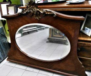 Specchio d'altri tempi