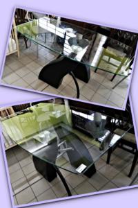 Tavolo in vetro con basamento in pelle L 135 P 80